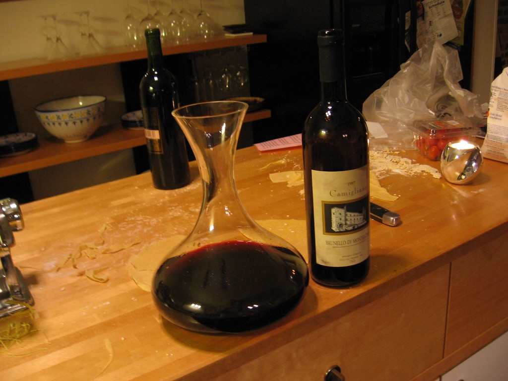 Brunello inside a decanter – Photo from Wikimedia Commons