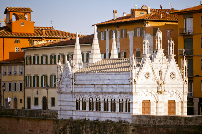Santa Maria della Spina Church in Pisa