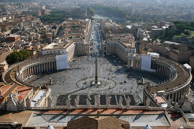 Saint Peter's Square Piazza San Pietro in Vatican City