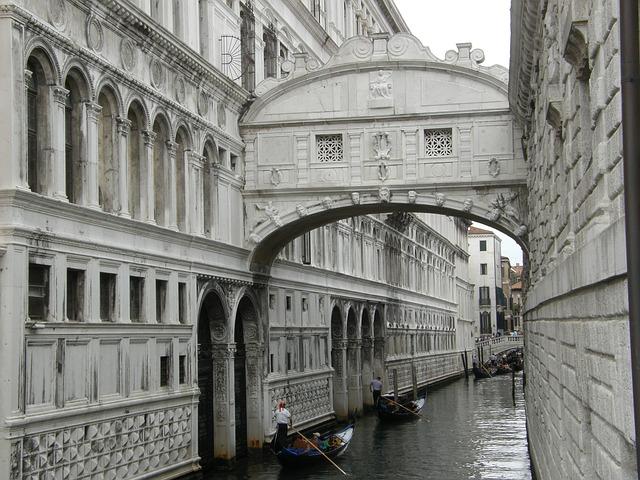 Bridge of Sighs - Doge's Palace - Venice