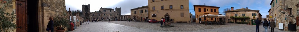 Piazza Roma Monteriggioni